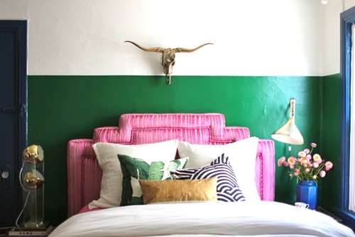 skull-green-stripe-wall